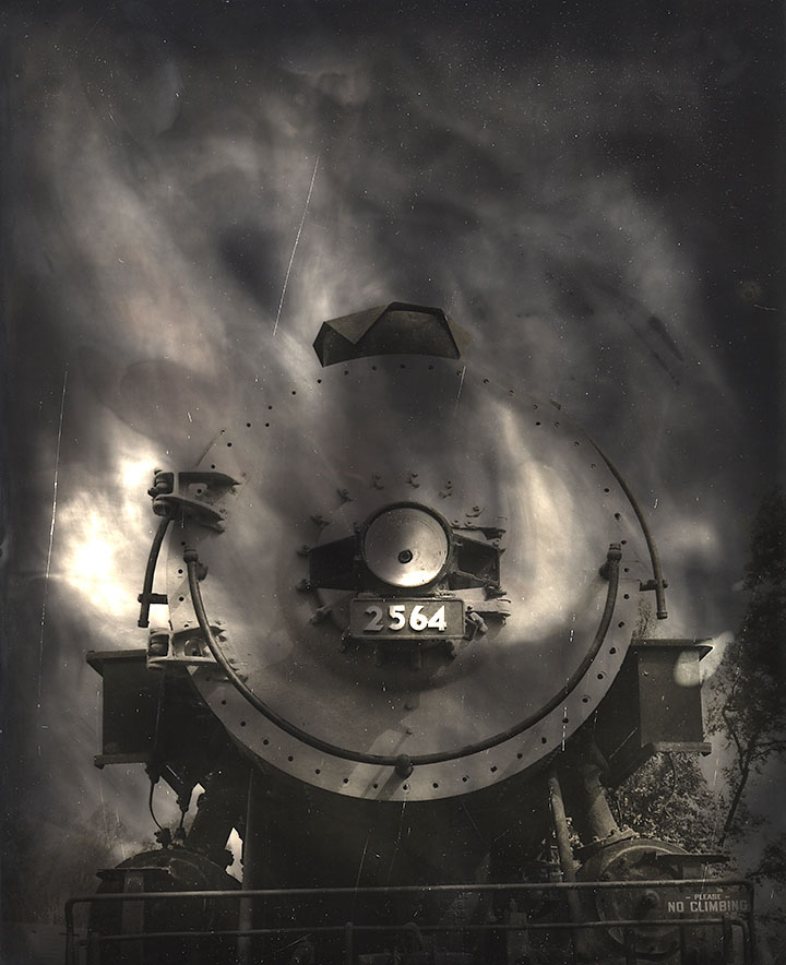 Ted_Nichols_duotone-train_version2